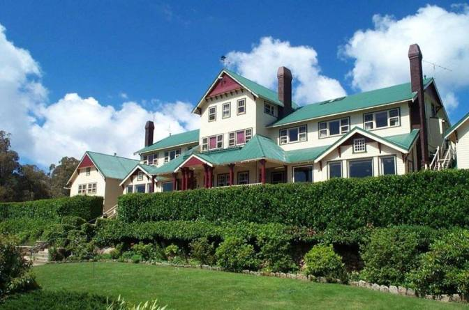 Tours of Mount Buffalo Chalet